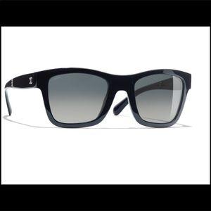 Authentic New CHANEL Dark Blue Foldable Sunglass